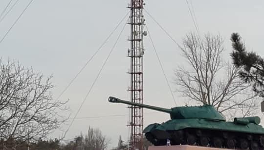 Мовлення на Крим: вежу в Чаплинці збільшили до 133 метрів