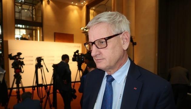 Bildt warns Zelensky against Poroshenko's persecution