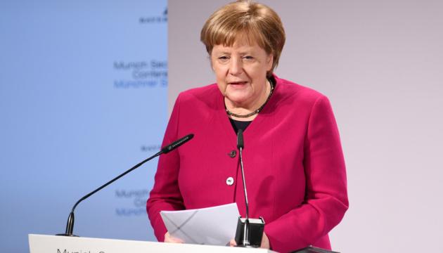 Меркель обіцяє обговорити з Зеленським транзит газу після запуску Nord Stream 2