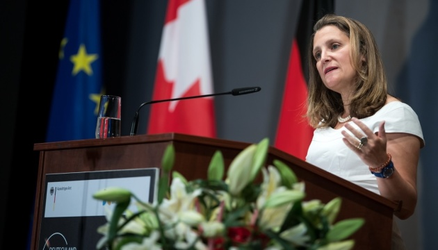 Canadian foreign minister to meet with Poroshenko, Zelensky in Kyiv this week