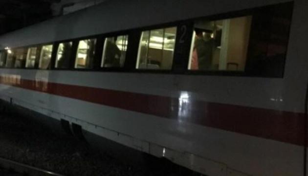 У Швейцарії зійшов із рейок пасажирський потяг