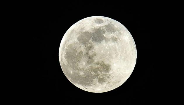 NASA висадить на Місяць першу жінку за програмою Artemis