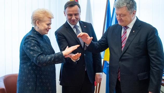 Poroshenko, Grybauskaite, Duda meet with LITPOLUKRBRIG staff