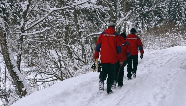 Спасатели нашли двух туристов, которые заблудились на Говерле