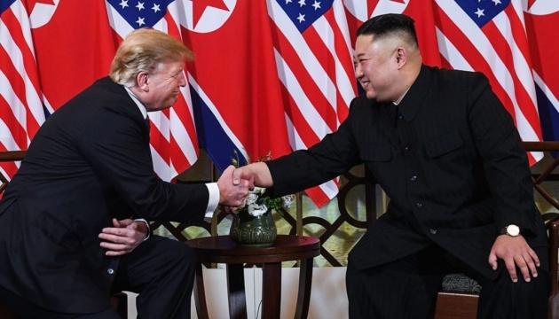 Трамп: Я буду розчарований, якщо Кім дійсно відновлює ядерні об'єкти