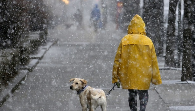 Мокрий сніг, дощ і мороз: синоптики дали різдвяний прогноз