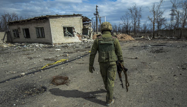 Russian-led forces violate ceasefire in Donbas seven times. One soldier killed