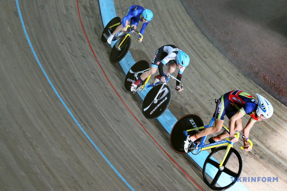 Зимний чемпионат Украины по велоспорту во Львове/ Фото: Маркиян Лысейко, Укринформ