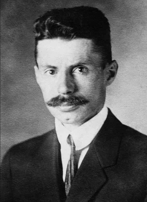 3-один із лідерів Української демократично-хліборобської партії (УДХП) консервативного напряму В'ячеслав Липинський, 1921 р.