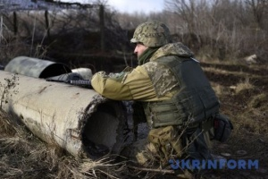 Okupanci wystrzelili 40 pocisków na pozycje Ukraińskich Sił Zbrojnych, jeden żołnierz jest ranny