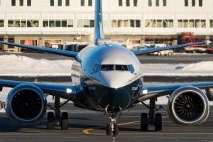 У США Boeing 737 Max аварійно сів через поломку двигуна