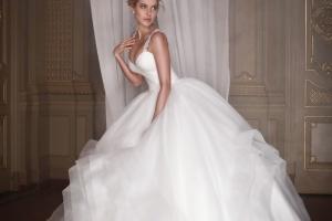 Andre Tan presenta una colección de vestidos de novia (Fotos)
