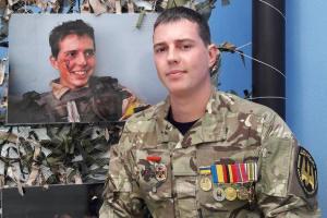 """Денис Новіков: Я хотів у """"чорні чоловічки"""". Потрапив - у батальйон """"Донбас"""""""