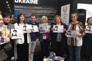 Action en faveur de Roman Souchtchenko au Salon du Livre à Paris