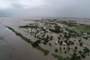 Президент Мозамбіку заявляє, що циклон Ідай міг вбити понад тисячу людей