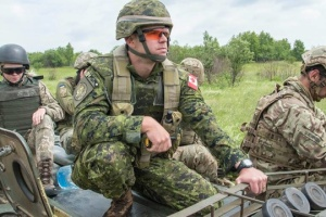 Poroshenko thanks Canada for extension of Operation UNIFIER