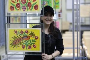 Картини Марії Примаченко потрібно показувати на сході - Рудницька