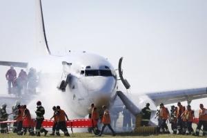 В Иране загорелся самолет со 100 пассажирами на борту