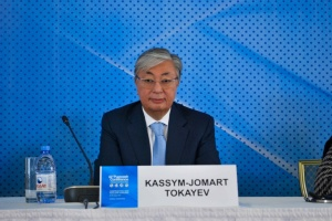 Український народ заслуговує, щоб жити у мирі — президент Казахстану