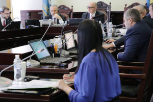 В Киеве через суд требуют переизбрать членов ВРП по квоте Президента