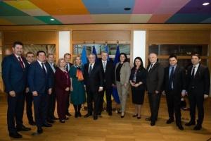 Finanzministerin: EU ist bereit, der Ukraine zweite Tranche von 500 Mio. Euro zu gewähren