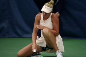 Лопатецька не змогла дограти матч 1/4 фіналу тенісного турніру в Кофу