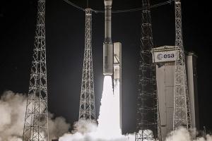 Trägerrakete Vega mit ukrainischem Triebwerk in Weltraum geschickt