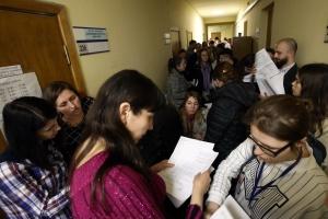 В Киеве - очереди желающих сменить место голосования
