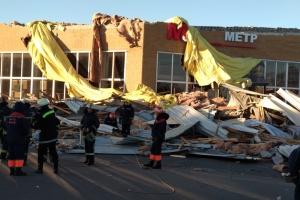 Буревій над Чернігівщиною зносив дахи, валив дерева, травмував людей