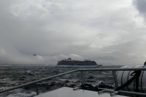 У круїзного лайнера у норвезьких водах відмовив двигун