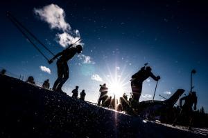 Украинские биатлонисты заняли 6 место в эстафете на шведском этапе Кубка мира