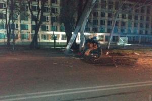 Смертельное ДТП в Одессе: BMW врезался в столб