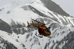 Снігова лавина накрила туристів у швейцарських Альпах