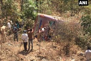 В Индии автобус упал в ущелье: шесть погибших, десятки раненых