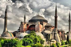 История Софийского собора в Стамбуле, который теперь объявлен мечетью