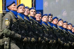 Порошенко поздравил украинских военных с Днем Национальной гвардии