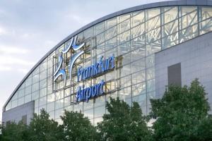 """В аэропорту Франкфурта из-за сбоя в софте """"выпали"""" десятки рейсов"""