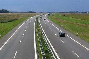 Автобан в четыре полосы соединит украинские портовые города - Омелян