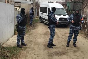"""""""Суд"""" залишив у силі штраф активісту, якого затримали під час обшуків у Криму"""