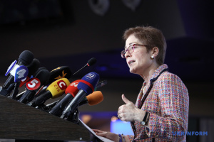 Колишній посол США напише книгу, в якій розповість і про роботу в Україні