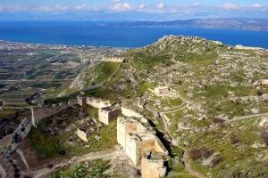 Греция все же разрешила въезд украинским туристам с 14 мая