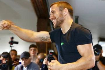 Lomachenko realiza un entrenamiento antes de pelear contra Crolla (Vídeo)