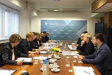 Ucrania y Eslovenia intensifican la cooperación en el sector agrícola