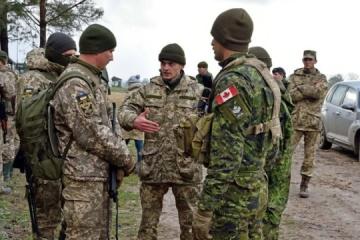 カナダ政府、ウクライナ軍人の訓練を2022年まで継続することを決定