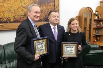 Ukrainian defense minister Poltorak meets with US Congress delegation