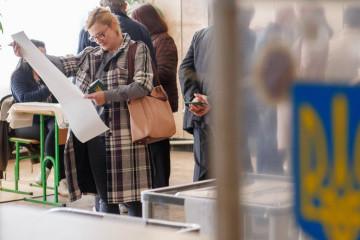 Zelensky ahead of Poroshenko in run-off – KIIS poll