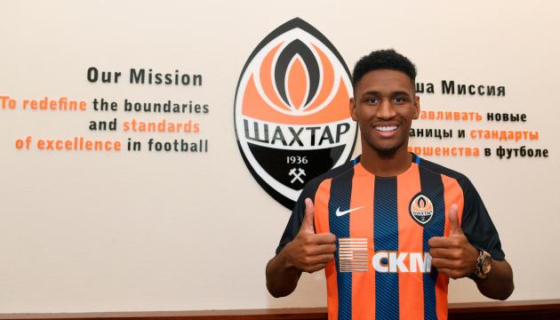 Shakhtar Donetsk signs Brazilian Tete
