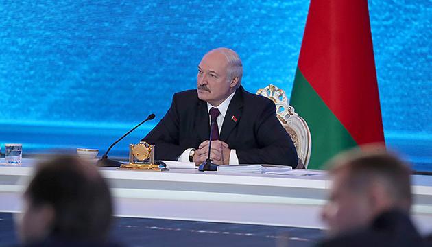 Лукашенко підтримує ініціативи Зеленського про новий формат переговорів