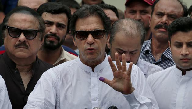 Прем'єр Пакистану вважає себе