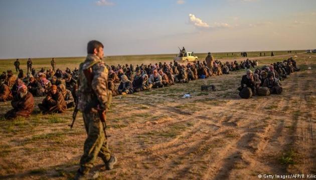 Бої за сирійський Багуз: близько 300 бойовиків ІДІЛ здалися курдам